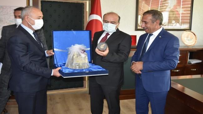 Tarım ve Orman Bakanlığı Bakan Yardımcısı Fatih Metin, Şanlıurfa Orman Bölge Müdürlüğü ziyaret etti