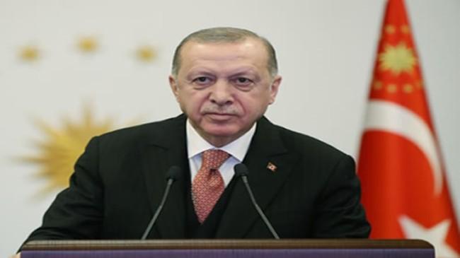 """""""Üç kıtanın kalbi konumundaki Türkiye'yi küresel bir üretim ve teknoloji üssü hâline getireceğimize inanıyorum"""""""