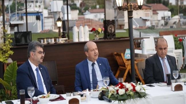 Cumhurbaşkanı Ersin Tatar, TBMM-KKTC Dostluk Grubu heyetine akşam yemeği verdi