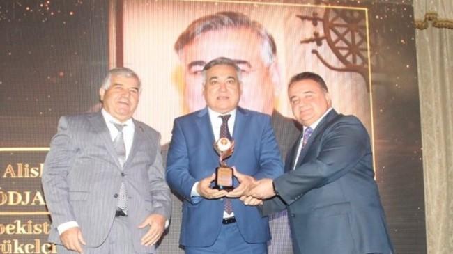 17. İpekyolu Yılın Altın Adamları Ödül Töreni 10 ülkeden katılımla gerçekleşti