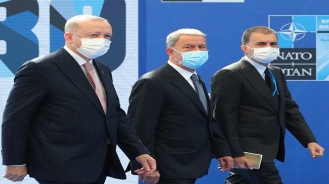 Millî Savunma Bakanı Hulusi Akar, NATO Liderler Zirvesi'nde Cumhurbaşkanımız Sn. Erdoğan'a Eşlik Etti