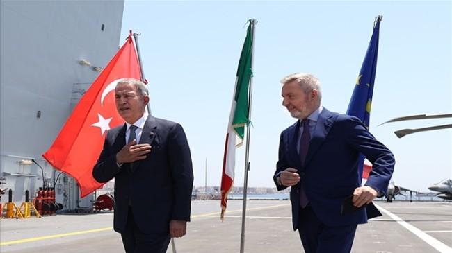 Millî Savunma Bakanı Hulusi Akar, İtalya ve İngiltere Savunma Bakanları ile Sicilya'daki Üçlü Toplantıda Bir Araya Geldi
