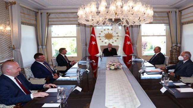 Cumhurbaşkanı Erdoğan, Bulgaristan Hak ve Özgürlükler Hareketi Genel Başkanı Karadayı ve beraberindeki heyeti kabul etti