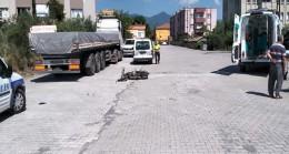 Erzin İlçesinde Motosiklet ile otomobil çarpıştı 1 Yaralı