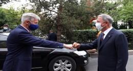Bakan Akar, Letonya Başbakan Yardımcısı ve Savunma Bakanı Artis Pabriks ile Bir Araya Geldi