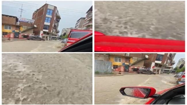 Samsun'da sağanak yağmur hayatı 2 saat içinde felç etti