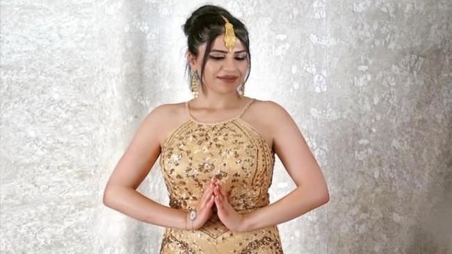 Genç ve Güzel Şarkıcı Dilan Rojava yakında yeni sürprizlerle geliyor.
