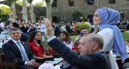 Cumhurbaşkanı Erdoğan, Diyarbakır'da gençlerle bir araya geldi