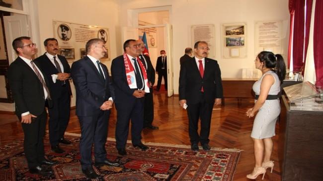 Türkiye Büyükelçisi Cahit Bağcı Azerbaycan Devlet Tarım Üniversitesi'ni ziyaret etti