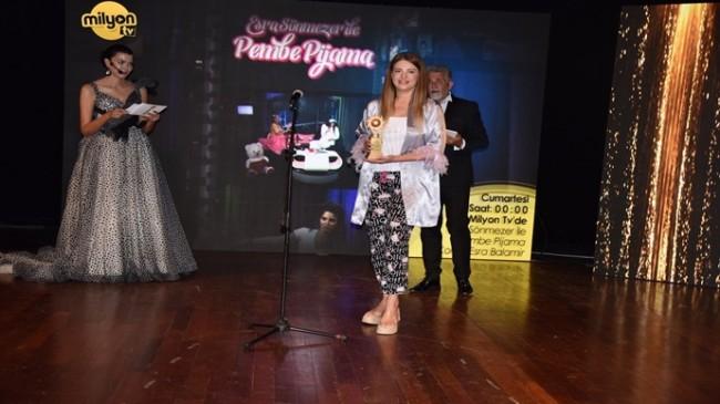 """""""Altın Güneş"""" ödülleri Akatlar Kültür merkezinde gerçekleştirildi"""