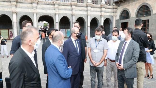 Cumhurbaşkanı Ersin Tatar, Diyarbakır'da Ulucami'yi ziyaret etti