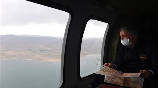 Millî Savunma Bakanı Hulusi Akar, İran Hududunda İnceleme ve Denetlemelerde Bulunuyor