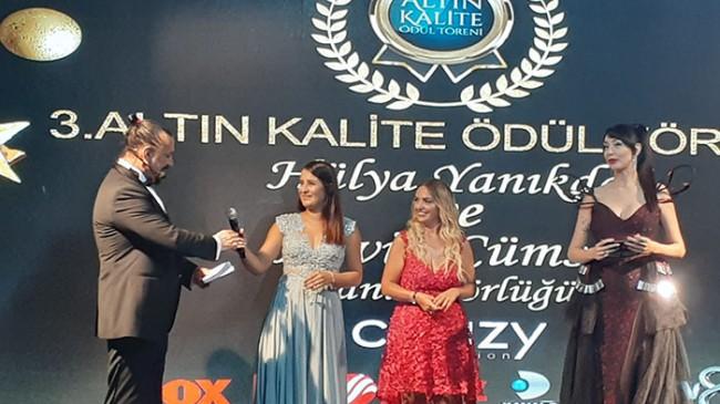 Hülya Yanıkdağ ve Hevin Cümsen farkı İle 3. Altın kalite ödül töreni yapıldı.
