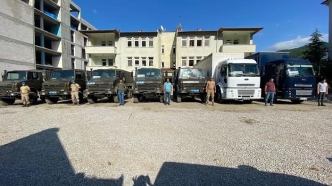 Afet Bölgesinde Jandarma, Vatandaşlarımızın Eşyalarını da Taşıyor