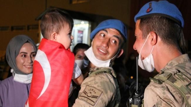 Afrin'den Dönen Jandarma Özel Harekata Sevgi Seli