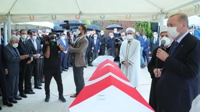 Cumhurbaşkanı Erdoğan, AK Parti İstanbul Milletvekili İsmet Uçma'nın cenaze törenine katıldı