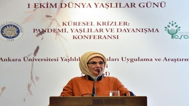 """Emine Erdoğan, """"Küresel Krizler: Pandemi, Yaşlılar ve Dayanışma Konferansı""""na katıldı"""