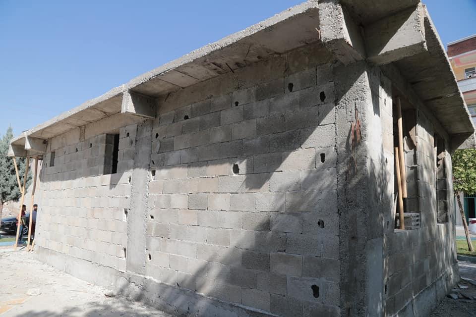 Bir açık hava ve tuğla duvar görseli olabilir